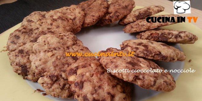 Biscotti cioccolato e nocciole ricetta Cotto e Mangiato