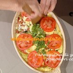Parmigiana di zucchine e pomodori confit di ricetta Anna Moroni
