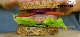 Hamburger di manzo con salsa di melanzane ricetta Junk Good su Real Time