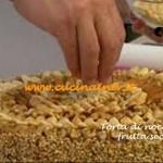 Torta di nocciole e frutta secca ricetta del cake designer di Real Time Renato Ardovino per il programma Torte in corso