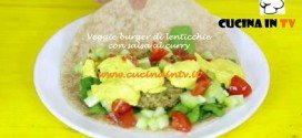 Hamburger vegano di lenticchie con salsa al curry ricetta Junk Good su Real Time