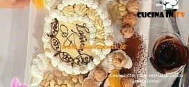 Dolci dopo il tiggì - ricetta della Amaretto con mousse allo zabaione