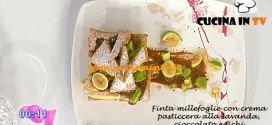 Dolci dopo il tiggì - ricetta della Finta millefoglie con crema pasticcera alla lavanda cioccolato e fichi
