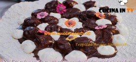 Bake Off Italia: ricetta Profiteroles con crema al moscato e glassa al cioccolato di Enrica