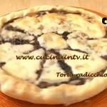 Cotto e Mangiato - Torta radicchio e caciocavallo ricetta Tessa Gelisio