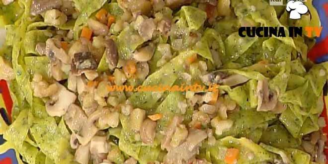 La Prova del Cuoco - Pappardelle verdi con funghi e castagne ricetta Spisni