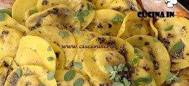 La Prova del cuoco - Pollicioni con ripieno di noci e olive nere ricetta Alessandra Spisni
