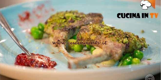 Masterchef 4 - ricetta Costolette croccanti al chutney di rabarbaro e fragole di Federica