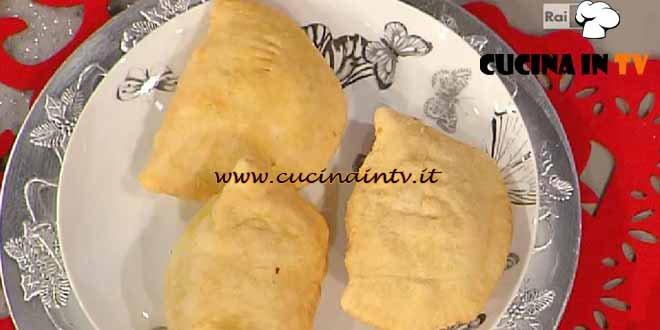 La Prova del Cuoco - ricetta Panzerotti prosciutto cotto e formaggio
