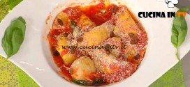 La Prova del Cuoco - ricetta Ravioli di ricotta e uva sultanina al sugo di pomodoro