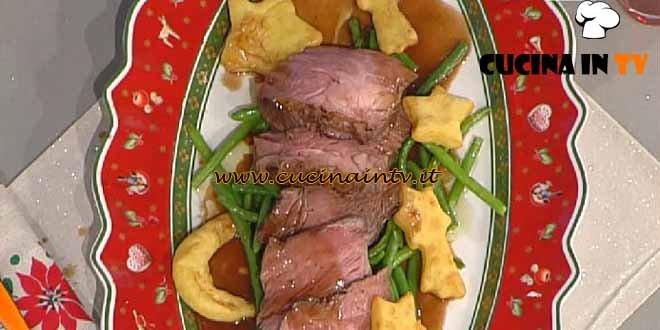 La Prova del Cuoco - Tagliata di manzo al Sangiovese con stelle di patate ricetta Zoppolatti