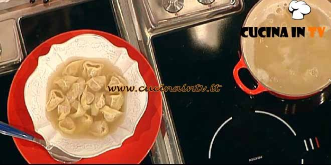 La Prova del Cuoco - Tortellini in brodo light ricetta Flachi
