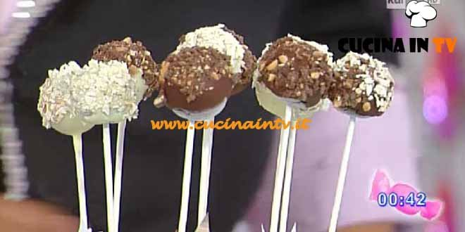 Dolci dopo il Tiggì - ricetta Cakepops al torroncino