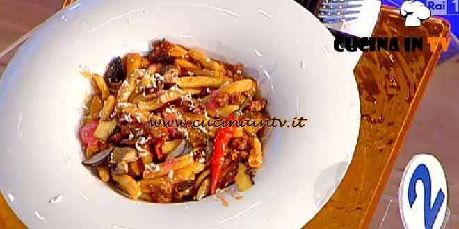 La Prova del Cuoco - ricetta Capunti con funghi cardoncelli e salsiccia