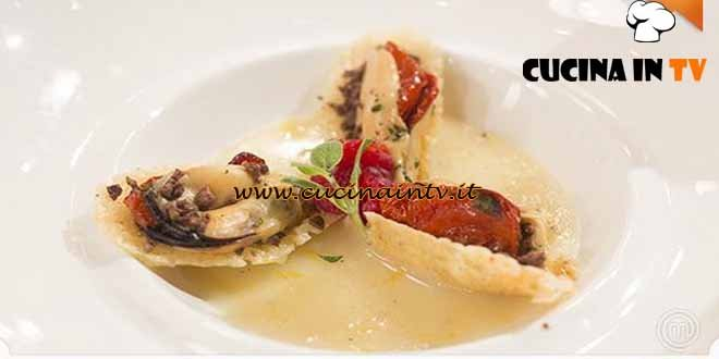 Masterchef 4 - ricetta Cozze in cialda di parmigiano di Simone