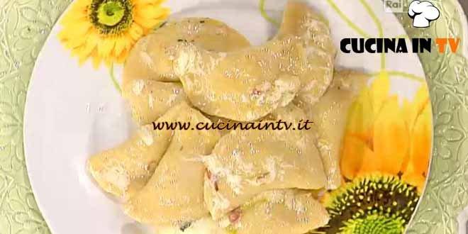 La Prova del Cuoco - Mezzelune di patate con cuore al cavolo nero ricetta Barzetti