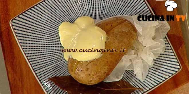 La Prova del Cuoco - Patata al cartoccio servita con maionese chantilly ricetta Barzetti