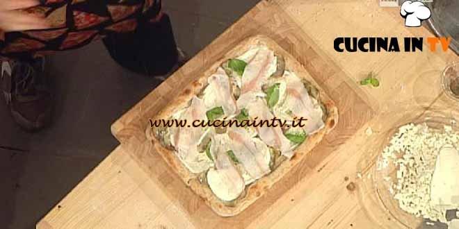 La Prova del Cuoco - Pizza bianca con carciofini pugliesi e lardo di colonnata ricetta Sorbillo