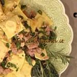 La Prova del Cuoco - Quadrotti con ceci salsiccia e cavolo nero ricetta Cattelani