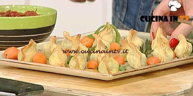 La Prova del Cuoco - Samosa con chutney alla papaya ricetta Mainardi