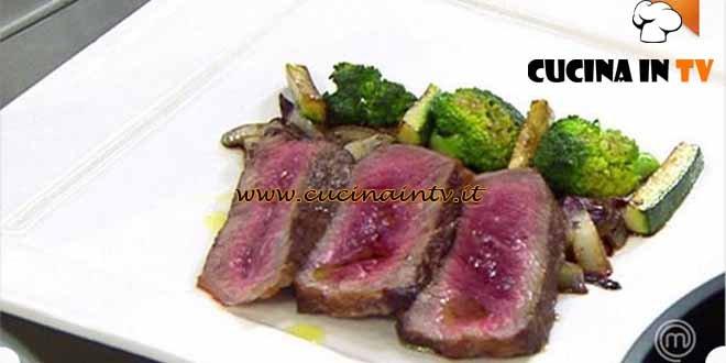 Masterchef 4 - ricetta Tagliata di manzo con verdure croccanti e cipolla brasata di Stefano