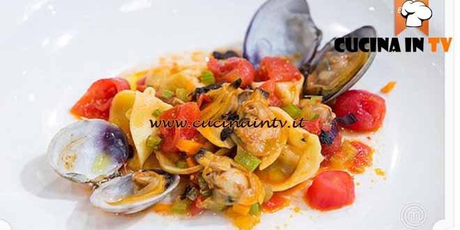Masterchef 4 - ricetta Tortelli di gamberi e basilico viola in guazzetto di vongole e verdure di Paolo