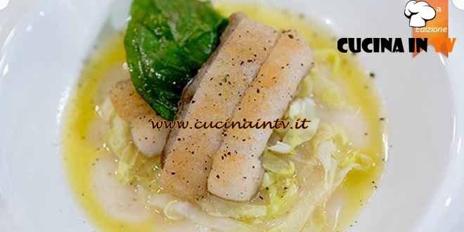 Masterchef 4 - ricetta Filetto di spatola piastrato in guazzetto di acqua di pomodoro basilico fritto e verza cruda di Simone