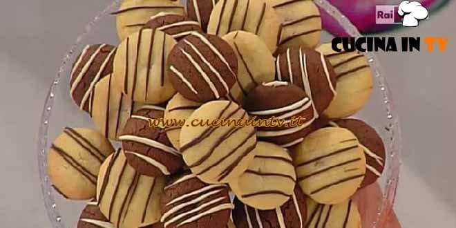 Dolci dopo il tiggì - ricetta Frollini ripieni al cioccolato