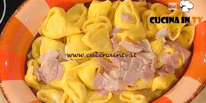 La Prova del Cuoco - Tortelloni di formaggio con burro e cotto ricetta Spisni