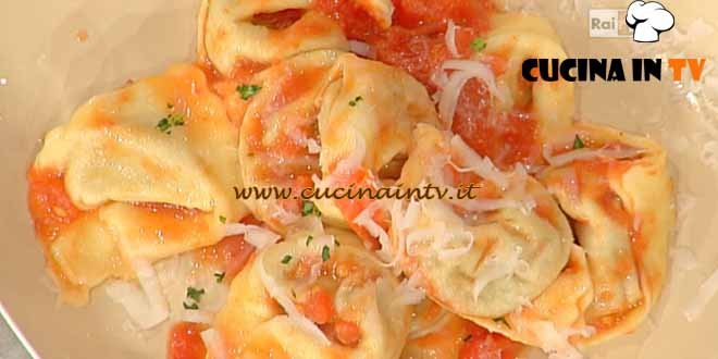 La Prova del Cuoco - Tortelloni di patate e carciofi con pomodoro e pecorino ricetta Barzetti
