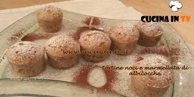 Cotto e mangiato - Tortine noci e marmellata di albicocche ricetta Tessa Gelisio