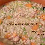 Cotto e mangiato - Zuppa d'orzo legumi e verdure ricetta Tessa Gelisio