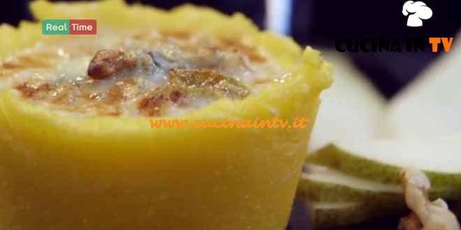 Molto Bene - ricetta Cestini di polenta con gorgonzola pere e noci di Benedetta Parodi