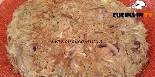 Cotto e mangiato - Frittata patate funghi carciofi ricetta Tessa Gelisio