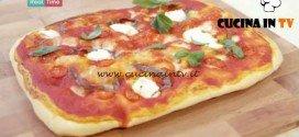 Molto Bene - ricetta Pizza pomodori ricotta e acciughe di Benedetta Parodi