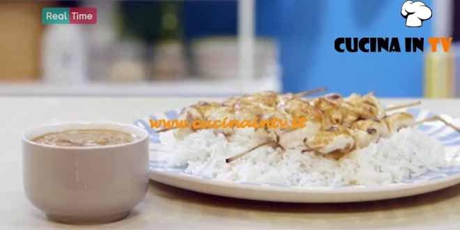 Molto Bene - ricetta Spiedini di pollo con salsa satay di Benedetta Parodi