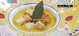 Molto Bene - ricetta Vellutata di zucca con crostini di Benedetta Parodi