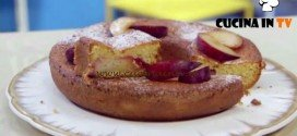 Molto Bene - ricetta Ciambella con marmellata di Benedetta Parodi