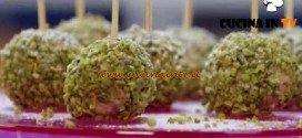 Molto Bene - ricetta Cake pops colomba di Benedetta Parodi