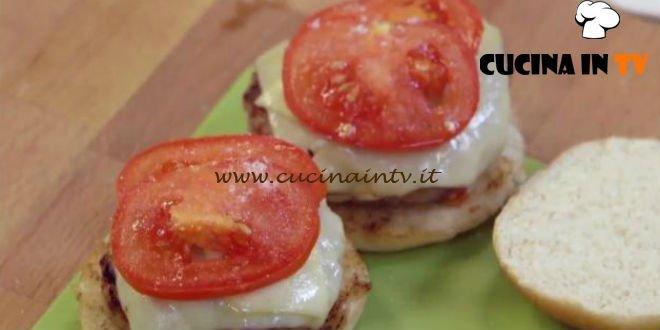 Molto Bene - ricetta Hamburger al bacon di Benedetta Parodi
