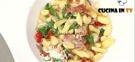 La Prova del Cuoco - ricetta Cavatelli con rucola stracchino e speck