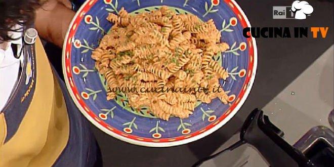 La Prova del Cuoco - Fusilli con crema di peperoni grigliati ricetta Bianchi