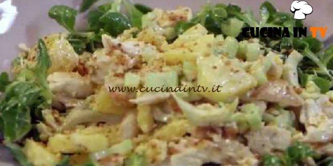 Insalata pollo e ananas ricetta Benedetta Parodi da Molto Bene