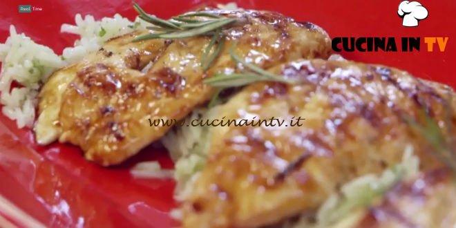 Pollo allo sciroppo d'acero con riso basmati al lime ricetta Benedetta Parodi da Molto Bene