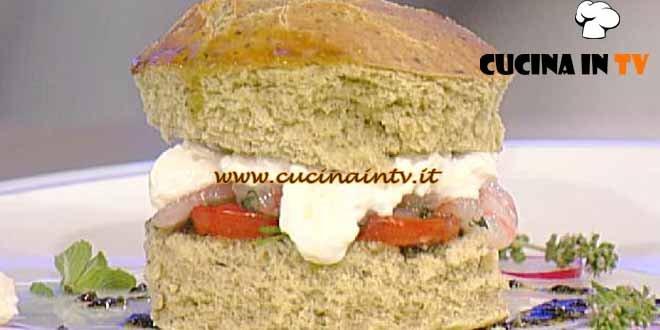 La Prova del Cuoco - ricetta Panino verde con stracciatella pomodoro e gambero rosso