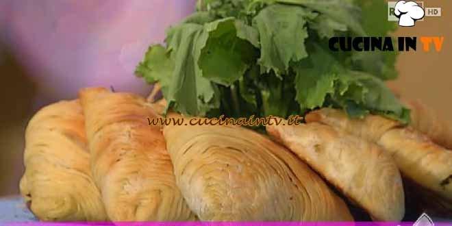 Detto Fatto - ricetta Sfogliatelle rustiche di Ciccio Pizza