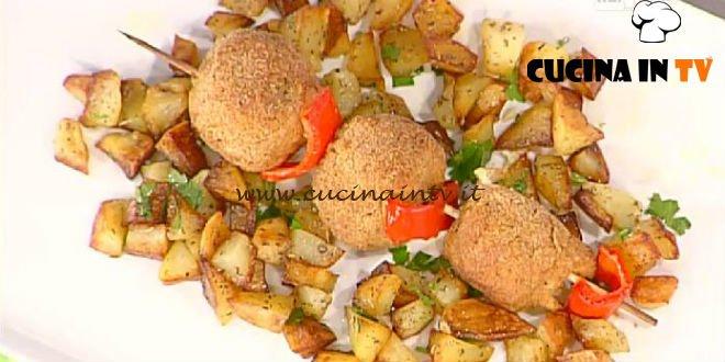 La Prova del Cuoco - ricetta Spiedini di polpette di pollo e zucchine con patate spadellate