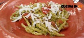 Cotto e mangiato - Trofie al pesto e pomodorini ricetta Tessa Gelisio