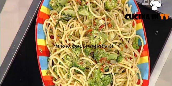 La Prova del Cuoco - Bucatini con pomodori secchi e broccoli ricetta Marco Bianchi