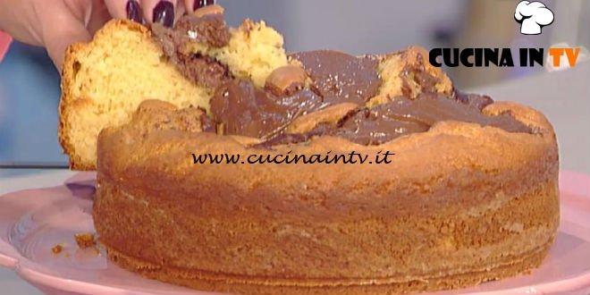 La Prova del Cuoco - Ciambella mascarpone e crema di nocciole ricetta Anna Moroni